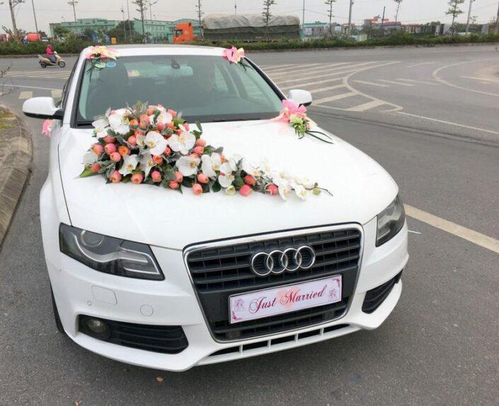 2500 705x573 - Hoa xe cưới