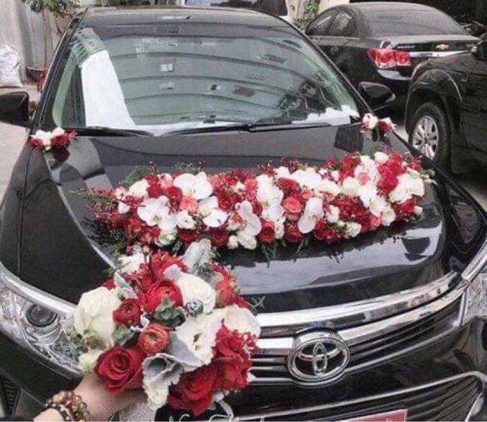 2800 2 705x612 - Hoa xe cưới
