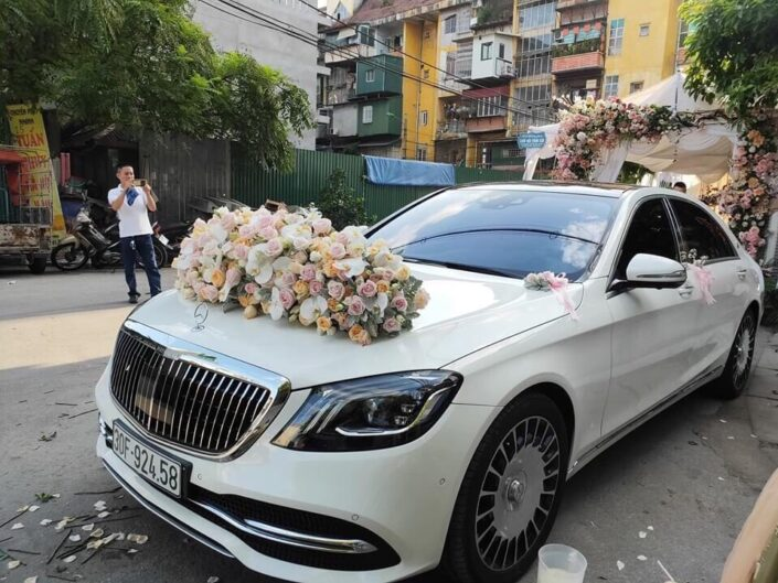 H50 2600 705x529 - Hoa xe cưới